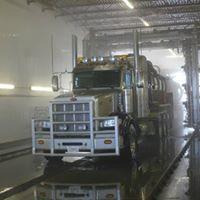 Heavy Metal Truck & Equipment Wash logo